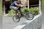 Former professional BMX rider Darryl Munroe displays his skills. (Photo: Joseph Wellington)