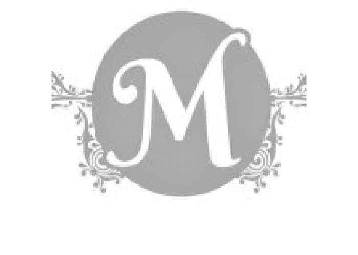 Martina's Nails Place logo