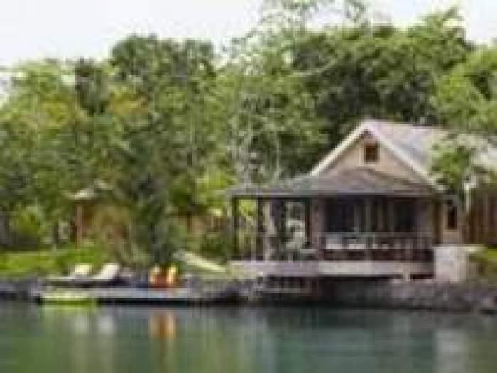 Goldeneye Lagoon Villa 10 logo