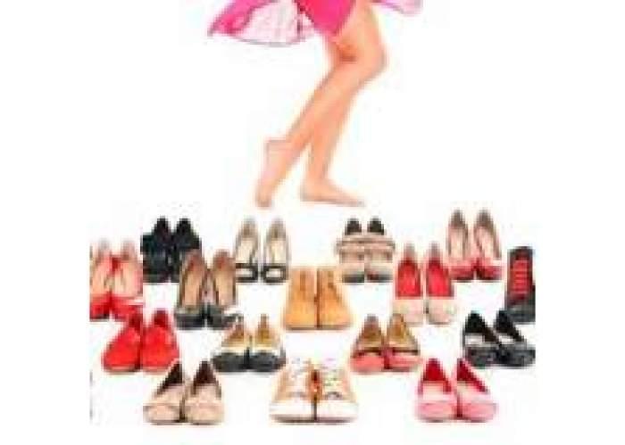 Shoes Warehouse logo
